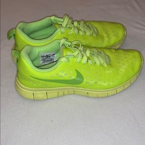 Girl's Nike Running Shoe Size 7 Youth